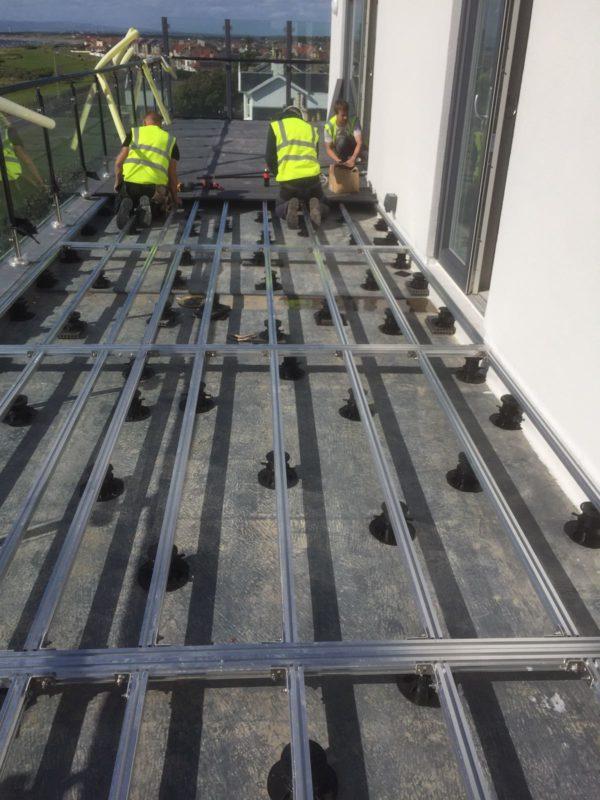 decking aluminium joists on pedestals