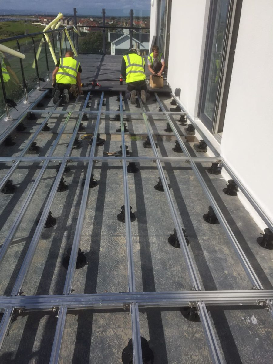 decking aluminium joists on pedestals